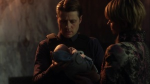 They Did What- Jim holds his daughter- Gotham, Fox