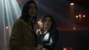 They Did What- Leslie and Selina at the Sirens' club- Gotham, Fox