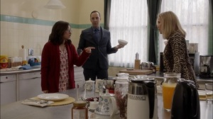 Oslo- Minna wants Selina to respect the embassy house rules- Veep, HBO