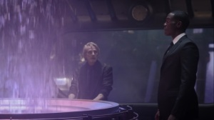 A God Walks Into a Bar- Jon sees that Veidt is still fabricating alien incursions- HBO, Watchmen