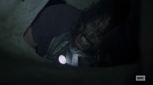 Squeeze- Jerry stuck in the tunnel- AMC, The Walking Dead